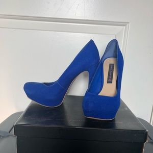 NWT Steven by Steve Madden Blue Nubuk  pumps